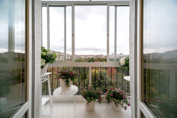 osteklenie balkona