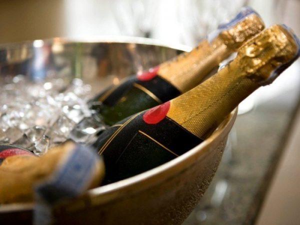 134317417 2749438 Otkrivaem shampanskoe po pravilam