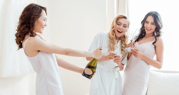 Kak otkryvat shampanskoe