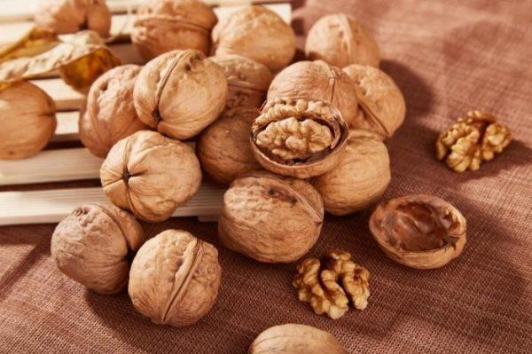 Почему употребление грецких орехов продлевает жизнь человека