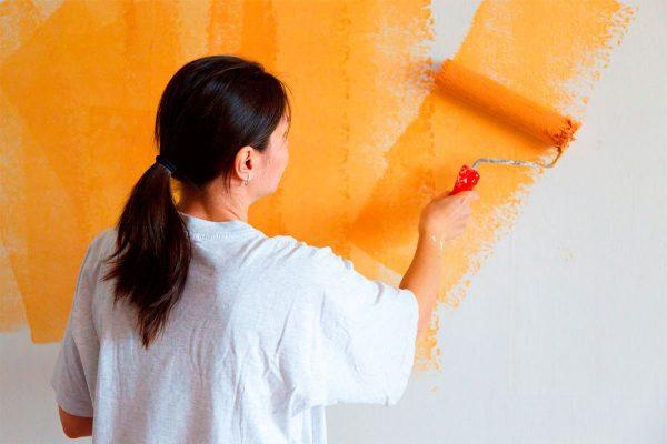 Что делать, чтобы краска ложилась на стены идеально?