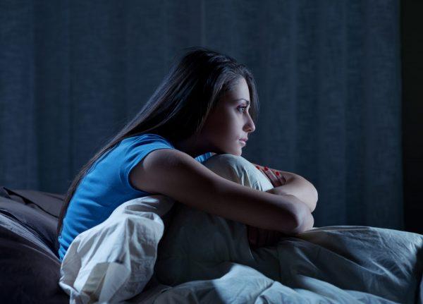 Что ни в коем случае нельзя делать, если вы проснулись ночью?