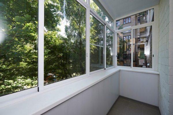 Как правильно остеклить лоджию или балкон, превратив в уютный уголок